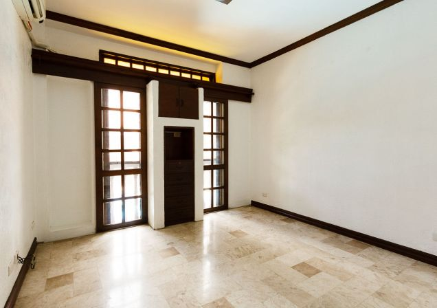 6 Bedroom House with Swimming Pool for Rent in North Town Homes - 7