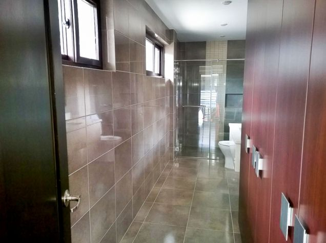 Modern 3 Bedroom House for Rent in Cebu Banilad - 3
