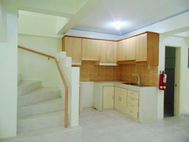 Apartment for rent in Mabolo Cebu City with 4 Bedrooms Unfurnished - 3