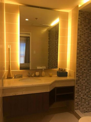 Condo in Pasig For sale 2 bedroom deluxe Lumiere Residences Ready for Occupancy - 7