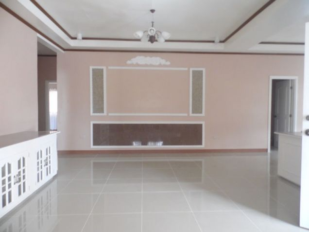 Spacious Bunglow House with 3 Bedrooms for rent - 50K - 7