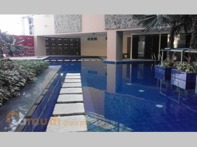 For Sale Condominium Studio Unit near Ortigas, Makati and Greenhills Mandaluyong Pioneer - 2