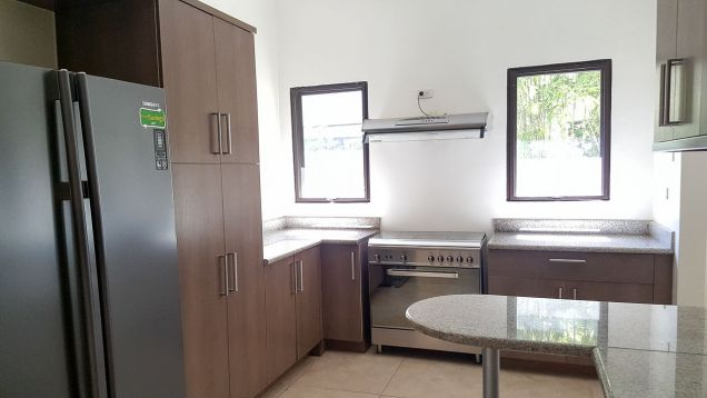 4 Bedroom House with Swimming Pool for Rent in Maria Luisa Cebu City - 8