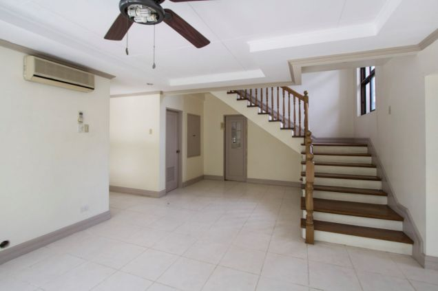 Unfurnished 4 Bedroom House for Rent in Maria Luisa Park - 7