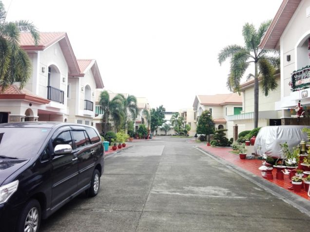 4Bedroom 3-Storey House & Lot For Rent/Sale In Angeles City Walking Distance In Fields Avenue - 1