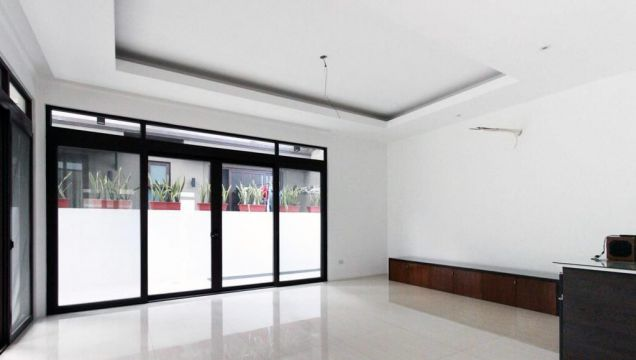 5 Bedroom Luxury House for Rent in Mckinley Hill Village, Taguig City (All Direct Listings) - 3