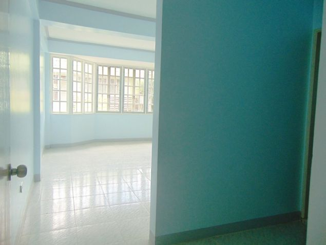 Apartment for rent in Mabolo Cebu City with 4 Bedrooms Unfurnished - 2