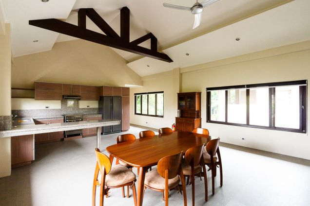 Spacious 5 Bedroom House for Rent in Maria Luisa Park - 2