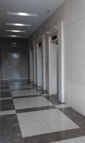 Furnished and Very affordable Studio condo unit near Boni Mrt Station and Cybergate. - 9