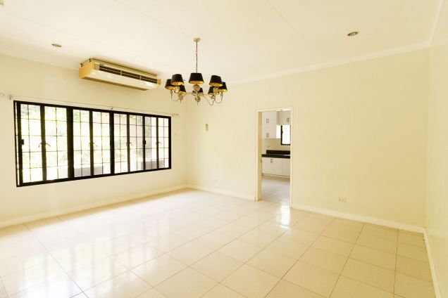 Spacious 4 Bedroom House with Swimming Pool for Rent in North Town Homes - 6