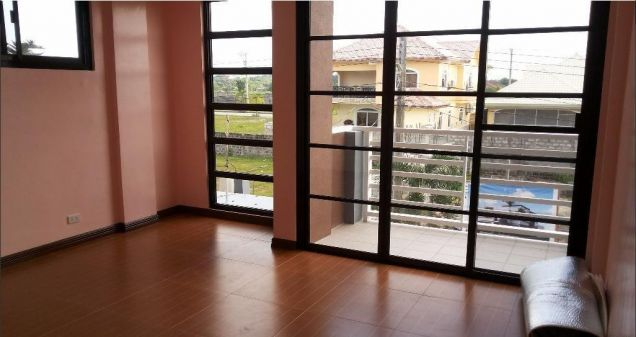 Modern 2 Storey House and lot for rent near SM Clark - 4