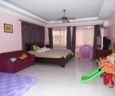 7 Bedroom House and lot with pool for rent - P180K - 7