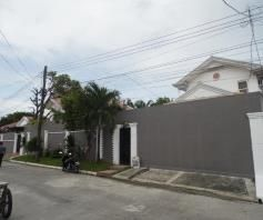 3 Bedrooms House For Rent with Swimming Pool Located at Timog Park - 8