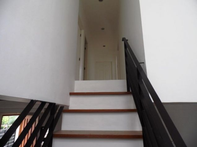 Unfurnished 4 Bedroom For Rent in Angeles City - 1