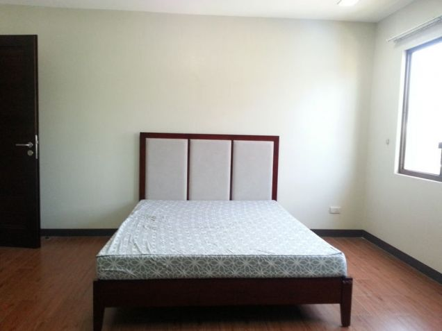 4 Bedroom Spacious House for Rent in Cebu City Banilad - 6