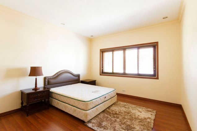 4 Bedroom House with Swimming Pool for Rent in Banilad - 2