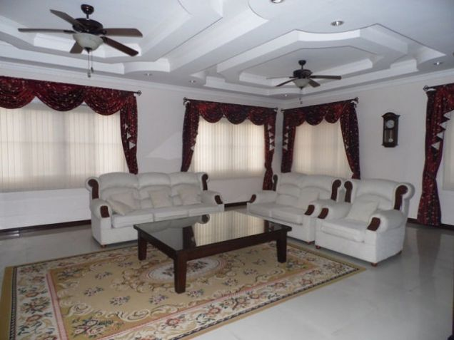 House and lot w/ 7 Bedroom & Pool for rent for P180K - 2