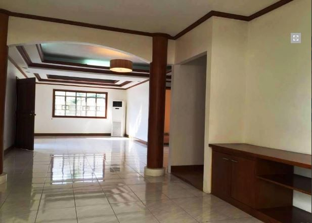 Bungalow House & Lot for RENT in Hensonville Angeles City - 2