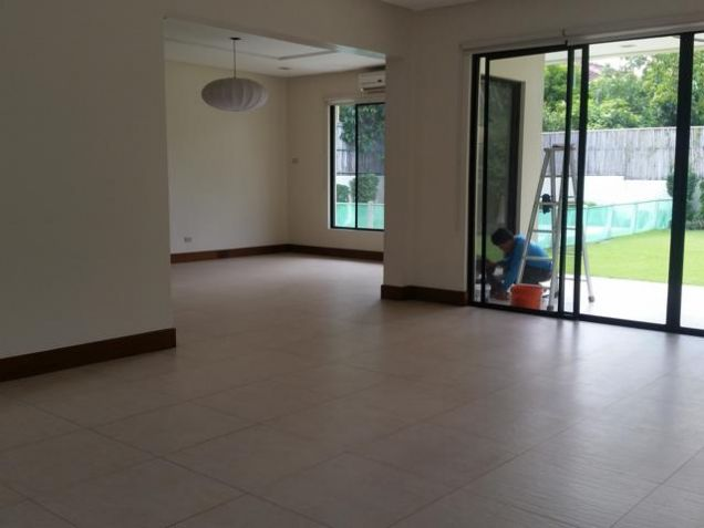 Modern Ayala Alabang House For Rent - 9