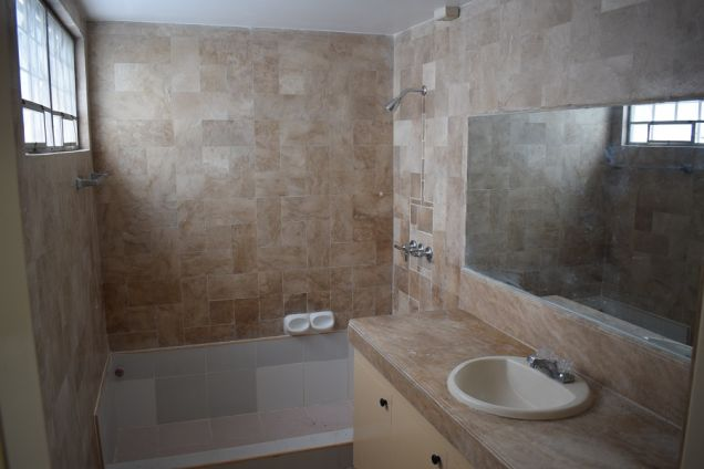 3 bedrooms unfurnished   Townhouse  with Attic for rent - 3