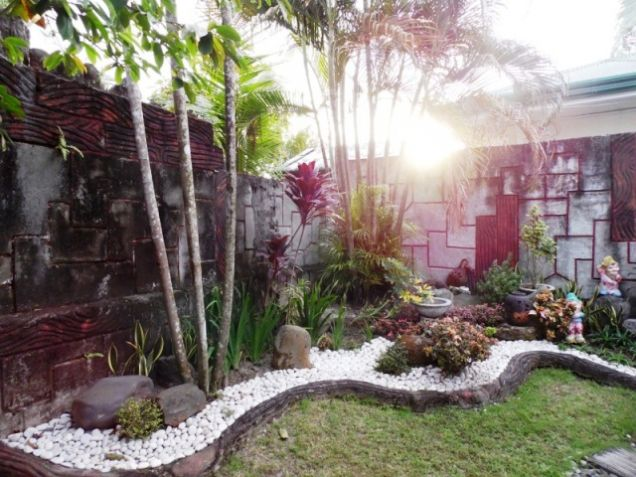 Bungalow House w/ Spacious yard for rent in Angeles City, Pampanga @P50K - 3