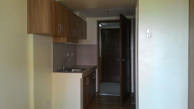 Studio Condo in Pioneer Mandaluyong near MRT Boni Ready For Occupancy for only 1.5M - 7