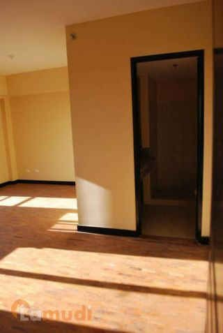 RFO 2BR Corner Unit Condo For Sale In Taguig City Near BGC and Mckinley Megaworld - 8