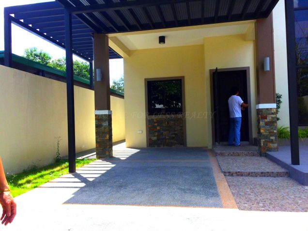For Rent Three Bedroom House In Angeles City - 2