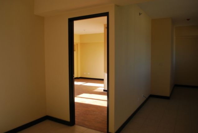 Ready for Occupancy 2 Bedroom Condo Unit in Pasig - 5