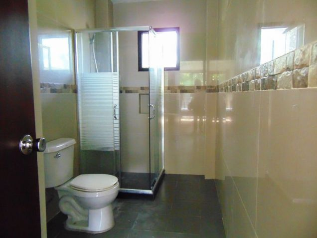5 Bedroom Semi Furnished House for Rent in Guadalupe, Cebu City - 3