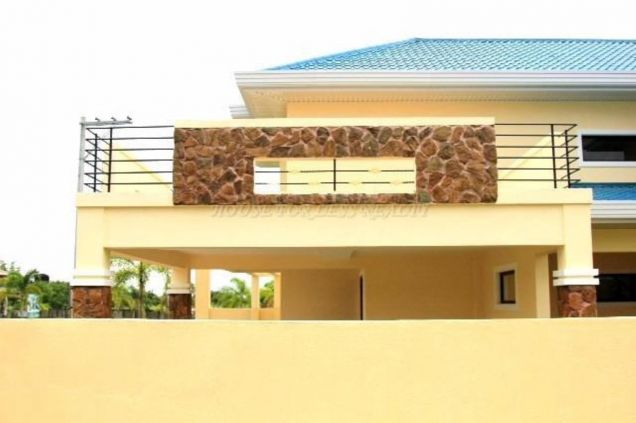 4 Bedroom Corner House With Furniture For Sale In Angeles City - 3