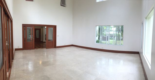 South Forbes Village, Four (4) Bedroom House for Rent, LA: 2400 sqm, FA: 820 sqm - 2