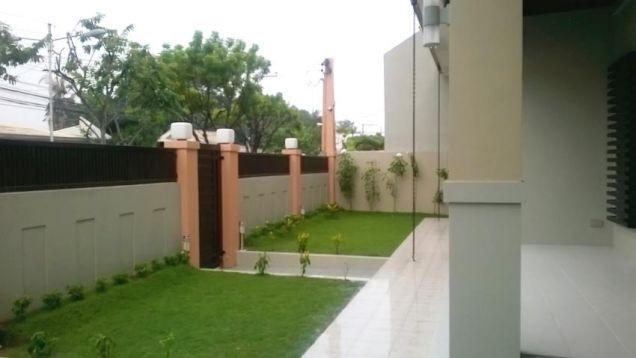 Big House for rent in Banilad, Cebu City 4 Bedrooms unfurnished - 1
