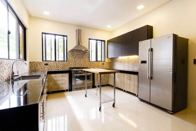 Brand New 5 Bedroom House for Rent in Maria Luisa Park - 6