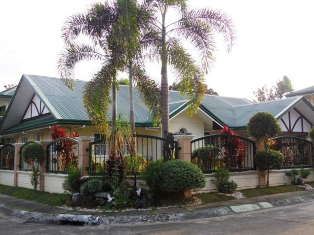 W/Huge Yard House & Lot For Rent In Friendship Angeles City near to CLARK FREE PORT ZONE - 0