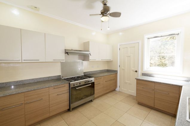 3 Bedroom House for Rent in Maria Luisa Park - 3