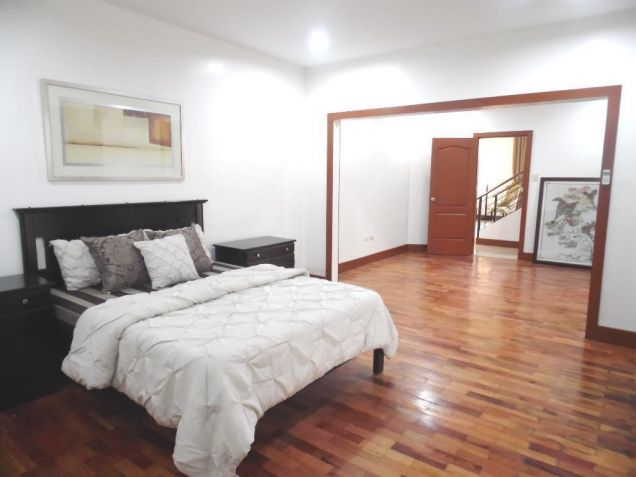 House and Lot for rent in Balibago with 3BR - 75k - 5