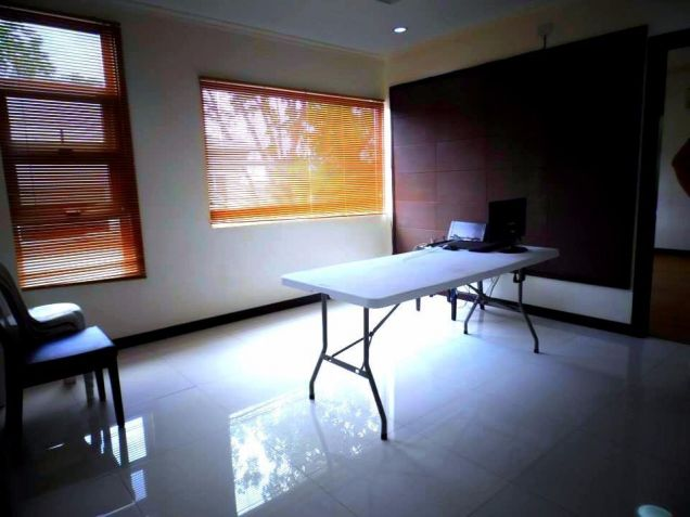 House In Clark Pampanga For Rent With 3 Bedrooms - 7