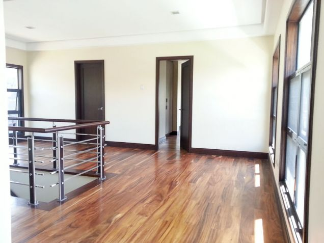 Modern 4 Bedroom House for Rent in Cebu Banilad - 1