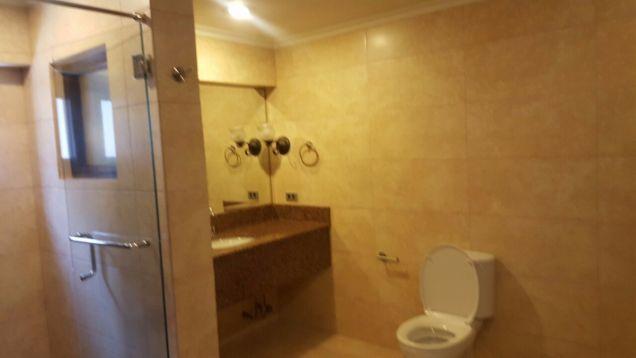 5 bedroom house in Maria Luisa - 2