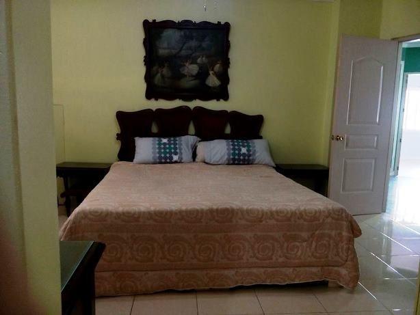 Banilad House 5 Bedrooms for rent Cebu City, Furnished - 1