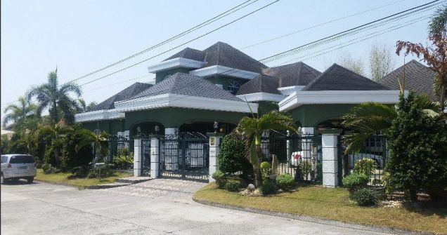 Fully Furnished Huge House with 6 Bedrooms for rent in Friendship -150k - 6