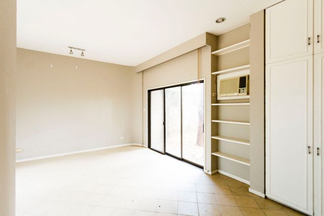 Large 5 Bedroom House for Rent in Maria Luisa Park - 9