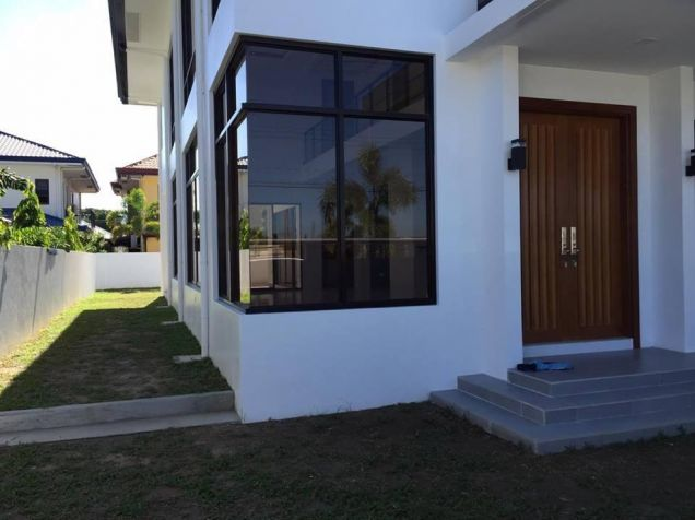 Furnished House with Swimming pool for rent in Hensonville - 80K - 2