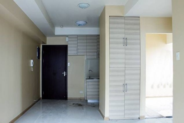 2 Bedroom condo unit with Balcony For Sale Near Makati, Ortigas and Pasig City - 0