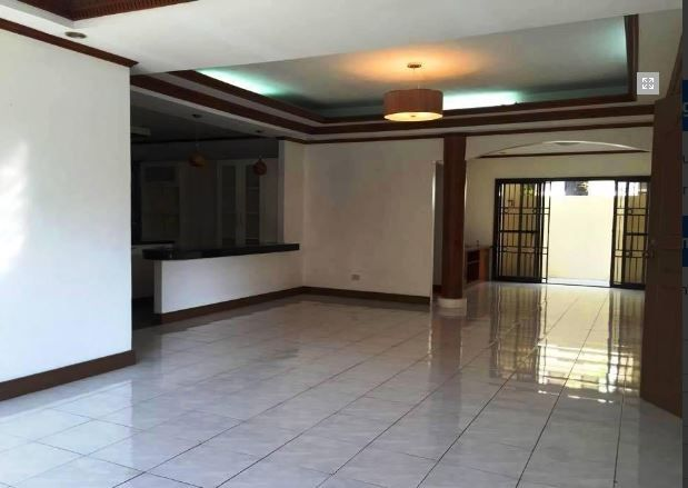 Bungalow House & Lot for RENT in Hensonville Angeles City - 6