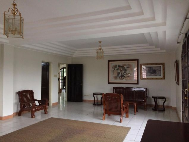 Two Storey House for rent with 5 bedrooms in Balibago - 8