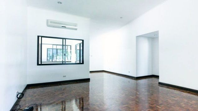 Lavishly 3 Bedroom House and Lot for Rent at San Lorenzo Village, Makati(All Direct Listings) - 2