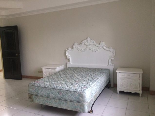 Two Storey House for rent with 5 bedrooms in Balibago - 1