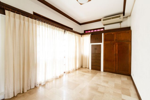 6 Bedroom House with Swimming Pool for Rent in North Town Homes - 6
